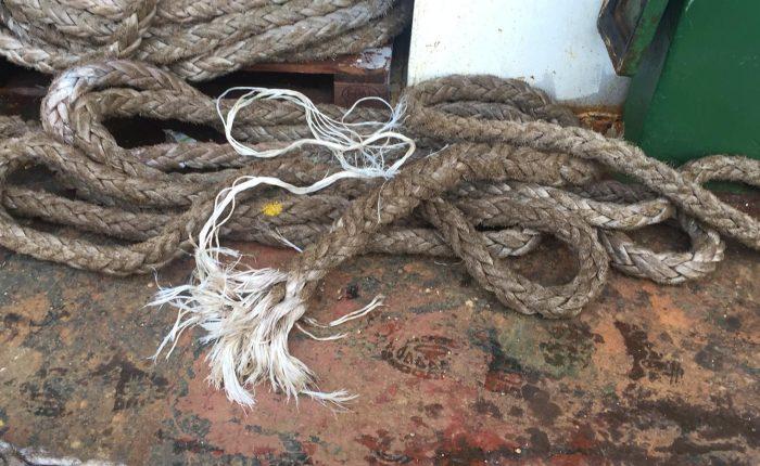 assistance to the vessel - vessel broken rope